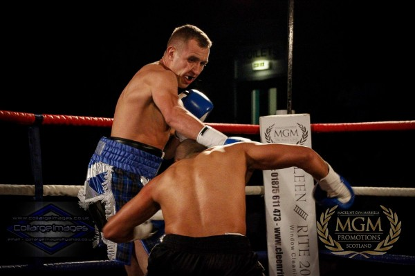 Lee Redpath v Ibrar Riyaz right hook