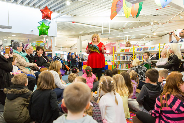 Edinburgh families enjoy a reading of The Gruffalo with Michelle McManus at Wester Hailes Library
